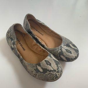 Lucky Brand Emmie Flats Size 7.5 Snake print